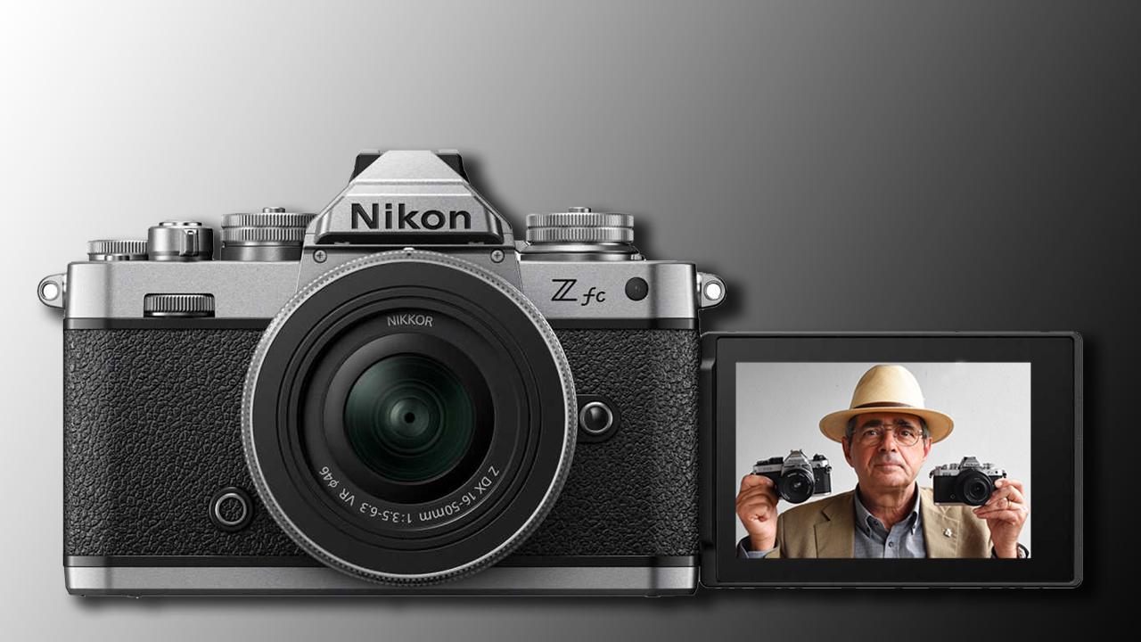 04-sito-Nikon-Z-fc-io-nel-monitor.jpg